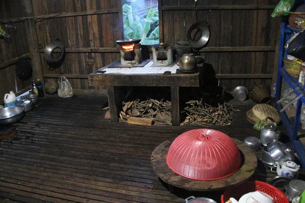 Küche im Homestay / Kitchen at Homestay