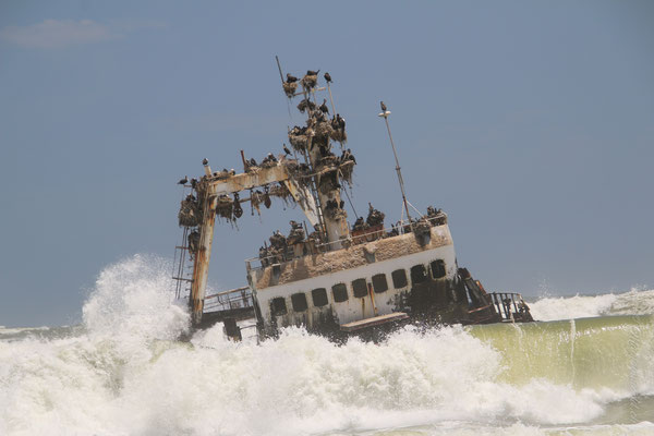 shipwreck on the way to swakopmund