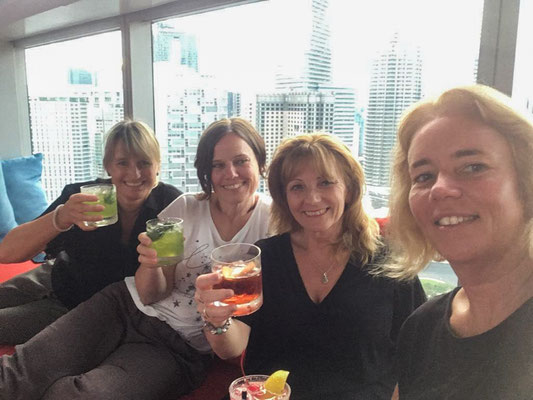 Happy hour in the Sky bar!