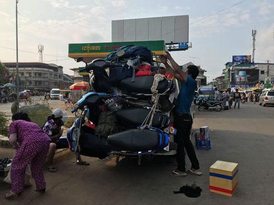 So sieht Gepäckträger laden in Kambodscha aus!