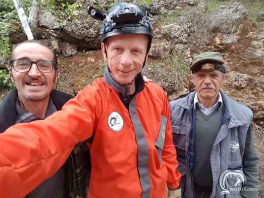 Team Gravolithia cave 2019!