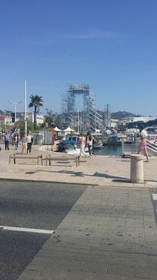 Aufbau Filmfestival Cannes