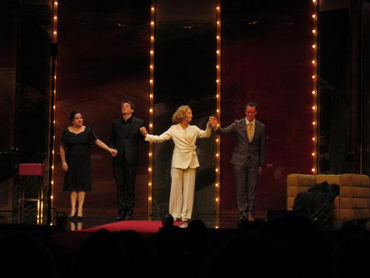 """Premiere """"Spatz und Engel"""", Burgtheater Wien, 2013 (mit Maria Happel, Thomas Kahry, Sona MacDonald)"""