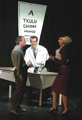 """aus: """"Lucky Stiff - Toto aber glücklich"""", 2003 (mit Bernd Julius Arends, Lilly Kugler) - Foto (c) Rolf Bock"""