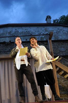 "aus: ""Shakespeare in Love"" 2021 (mit: Okan Cömert) - Foto (c) R. Winkler"