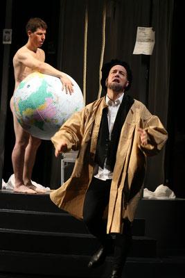 """aus: """"Die Blechtrommel"""" 2015 (mit Raphael Grosch) - Foto (c) Schauspielbühnen Stuttgart"""