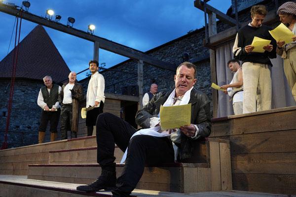 """aus: """"Shakespeare in Love"""" 2021 (mit: Manfred Stella, Georg Schubert, Okan Cömert, Dominik Revertera, Alexander Kuchinka, Lukas David Schmidt, Wenzel Brücher) - Foto (c) R. Winkler"""