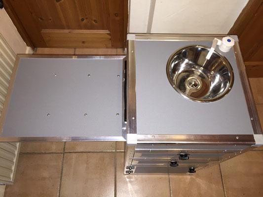 kleine kompakte campingk che typ 2 campingmoebel 4x4s. Black Bedroom Furniture Sets. Home Design Ideas
