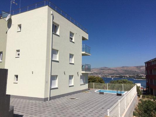 Апартаменты с бассейном на Чиово, Трогир, отдых в Хорватии с детьми