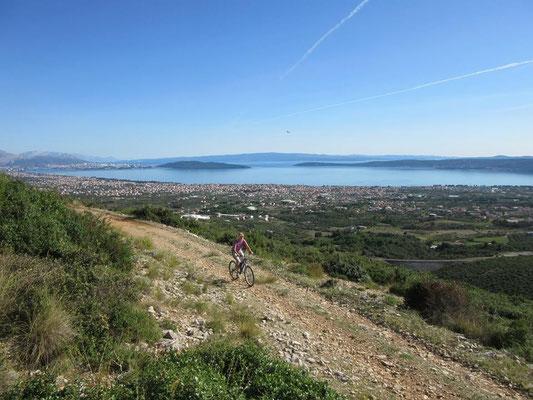 Пешие и велосипедные прогулки в районе Сплита, Каштела и Трогира