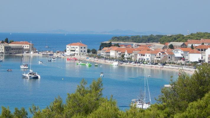 Апартаменты, дом Примоштен, первый ряд от моря, лучшие пляжи Хорватии, отдых с детьми