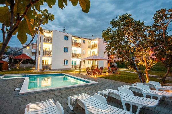 Апартаменты люкс с бассейном в Башка на о. Крк. Отдых с детьми в Хорватии