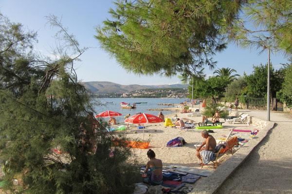 Апартаменты Трогир, Чиово, Округ Горный близко к морю и пляжи, отдых в Хорватии с детьми