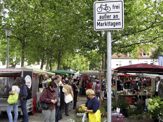 Über die Grenzen des Stadtteils bekannt und besucht: der Findorffmarkt. © Ulf Jacob, Leben in Findorff