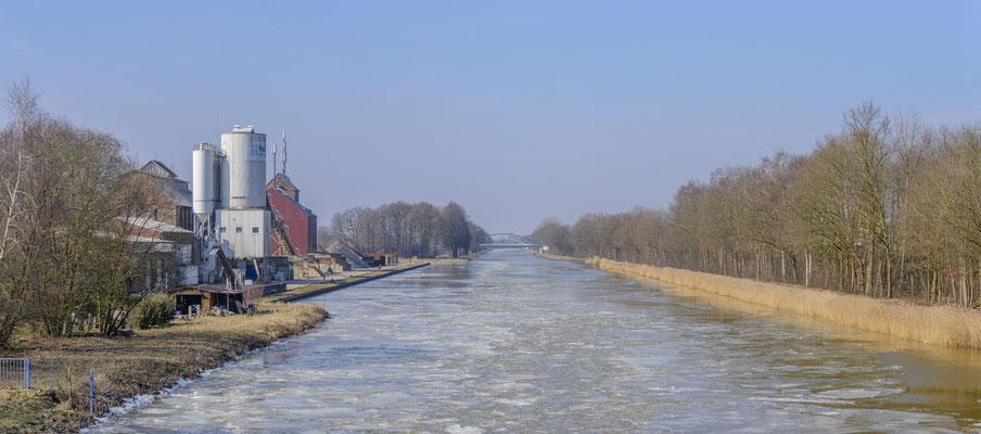 Rheine Kanalhafen Eisgang