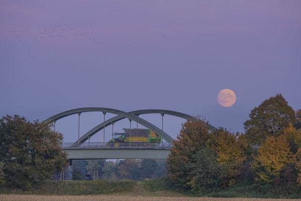 Rheine Altenrheine Schomaker Brücke Mondaufgang