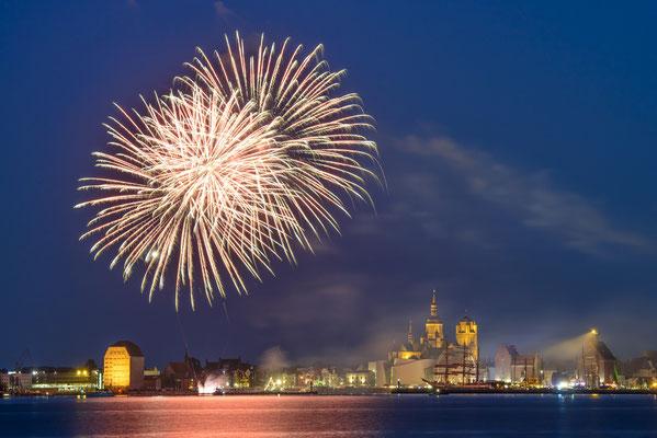 Feuerwerk über Stralsund