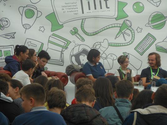 Jugendliche als Publikum und Autorinnen