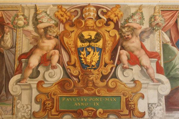 Wandbild aus den Vatikanischen Museen mit dem Wappen Papst Pauls V.