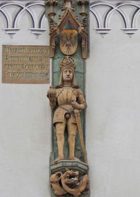 Figur Kaiser Maximilians I. mit Drachen und Doppeladler