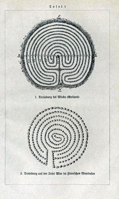 """k) Tafel mit der Wiedergabe zweier Trojaburgen aus dem Buch """"Deutsche Urzeit"""" von Willy Pastor, wahrscheinlich Anfang der 1920er Jahre"""