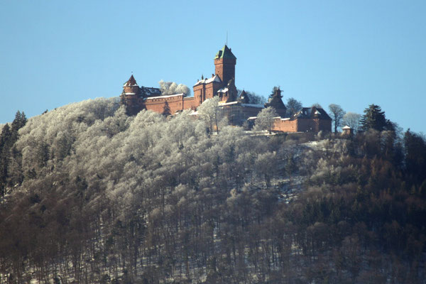 Château du Haut-Kœnigsbourg (deutsch: Hohkönigsburg), Elsass (Département Bas-Rhin)/Frankreich (Bild: Sir James, https://creativecommons.org/licenses/by-sa/3.0/deed.en)