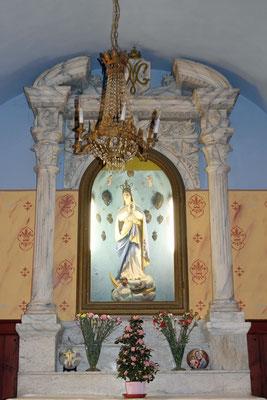 Skulptur der Maria als Schlangenzertreterin in der St. Michaels-Kirche, Tende