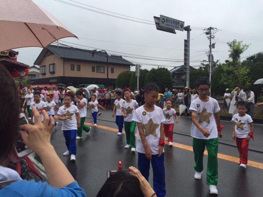 東区子供踊り