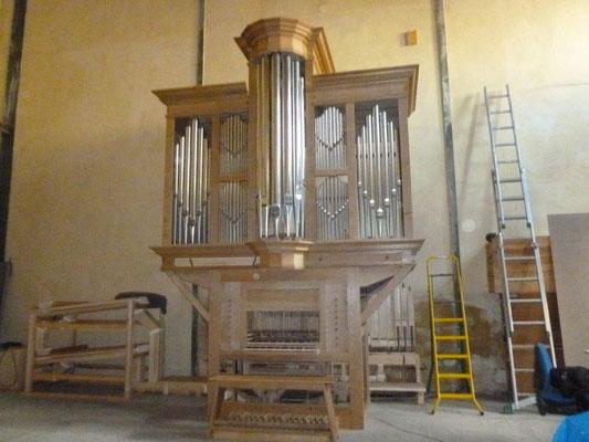 L'orgue en cours de montage à Landete (Atelier fr. Desmottes)