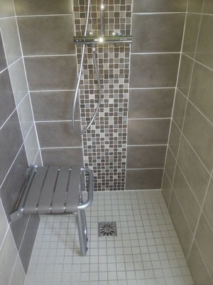 Dépannage, Remplacement, baignoire à Grenoble TEL.06-42-67-25-52 ROMI PLOMBERIE