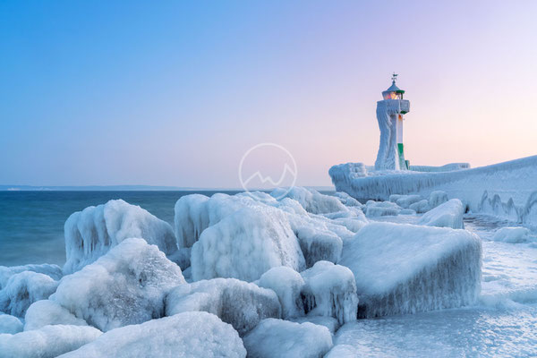 Eisiger Winter auf der Insel Rügen | Ostsee