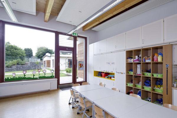 Große Fensterflächen sorgen für viel Licht zum arbeiten