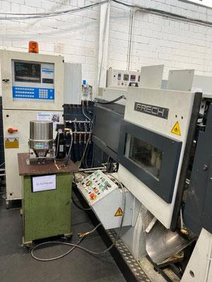 Frech Zinkdruckgussmaschine mit einer GREENOIL Nebenstromfilteranlage