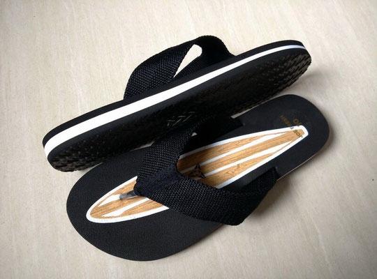 """EVA teenslipper """"surfboard"""". Zacht voetbed, brede comfortabele bandjes"""
