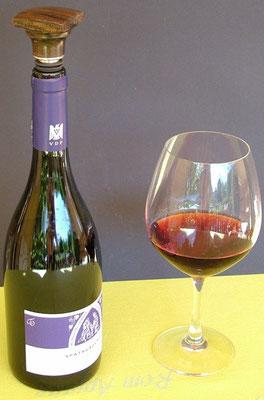 Weinflaschenverschluss aus Holz gedrechselt