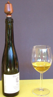 Weinflaschenverschluss mit dekorativen Zierkorken
