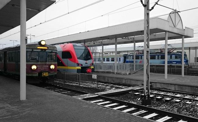 vielfältiges Angebot an drei Bahnsteigen