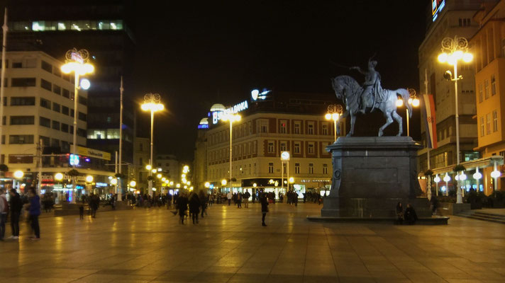 Innenstadt von Zagreb: viele junge Leute