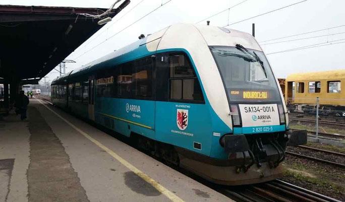 """Die DB Bahn ist auch schon hier: ein Zug von """"ARRIVA, a DB company"""""""