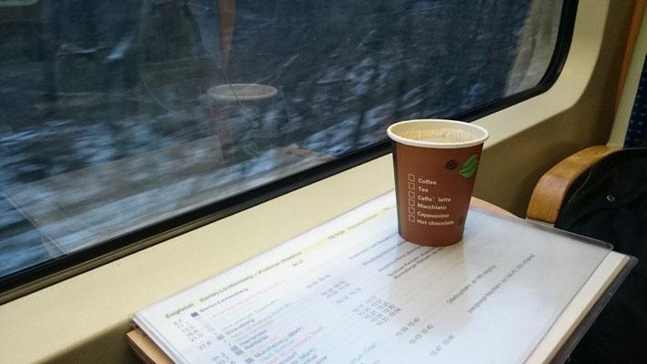 Kaffee im Zug nach Küstrin