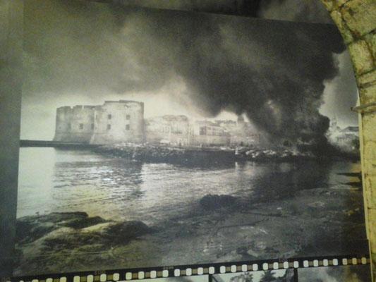Foto der brennenden Altstadt von 1991