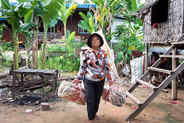 Work / Cambodia © Elephbo