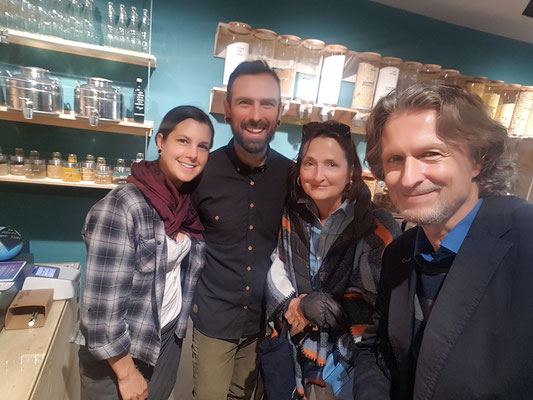 «na_le unverpackt» Veronika & Thomas mit Valeria und Pascal © Bellone Franchise Consulting GmbH 2019