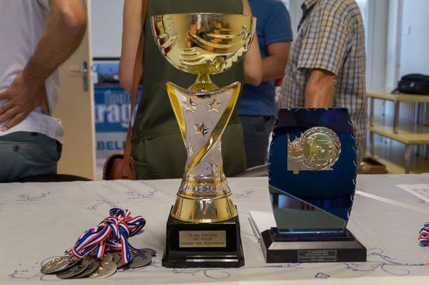Trophées pour la première place de l'équipe féminine -13 ans Pré-région