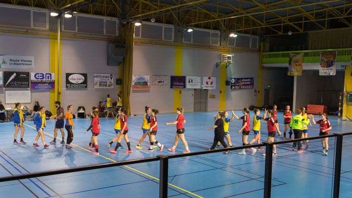Fin du match. Victoire de la JA Isle Handball 28-23.