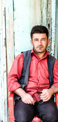 Hoşap Kalesi, Kurdistan - young men