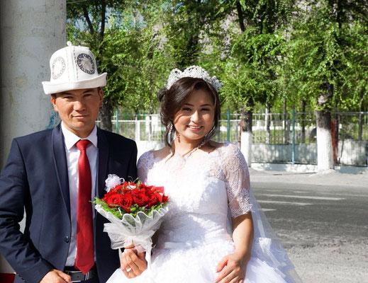 Osh, Kirgistan - Wedding couple