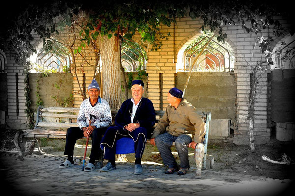 Bukhara, Uzbekistan - pensioner´s live