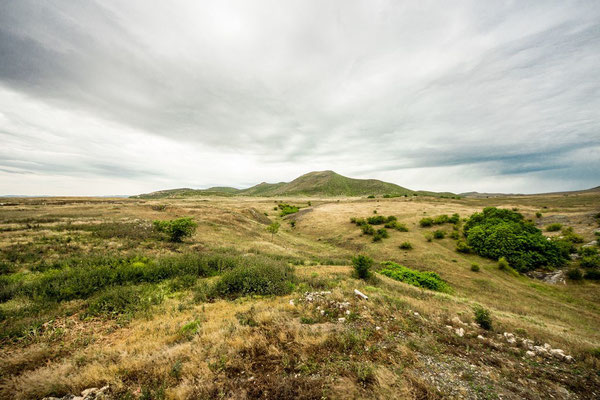 Tigranakert castle - the border to Azerbaijan is just 400m far from here