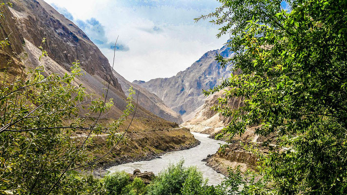 Panj river, left Tajikistan, right Afghanistan